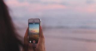 Handy nimmt Sonnenunergang auf