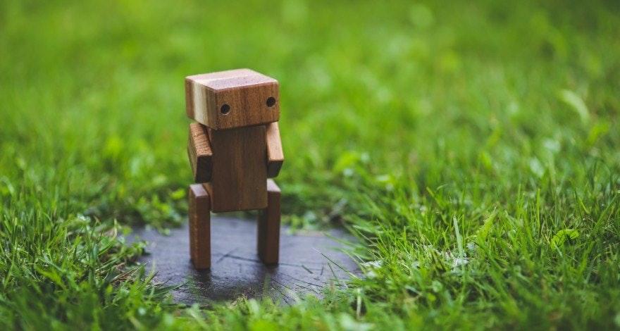 Holzfigur eine Roboters