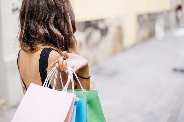 shopping black week