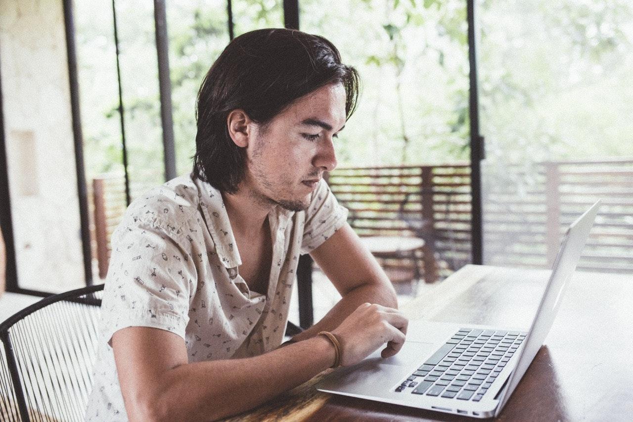 Este artigo não vai te deixar rico: mitos e verdades sobre ganhar dinheiro na internet | Oberlo