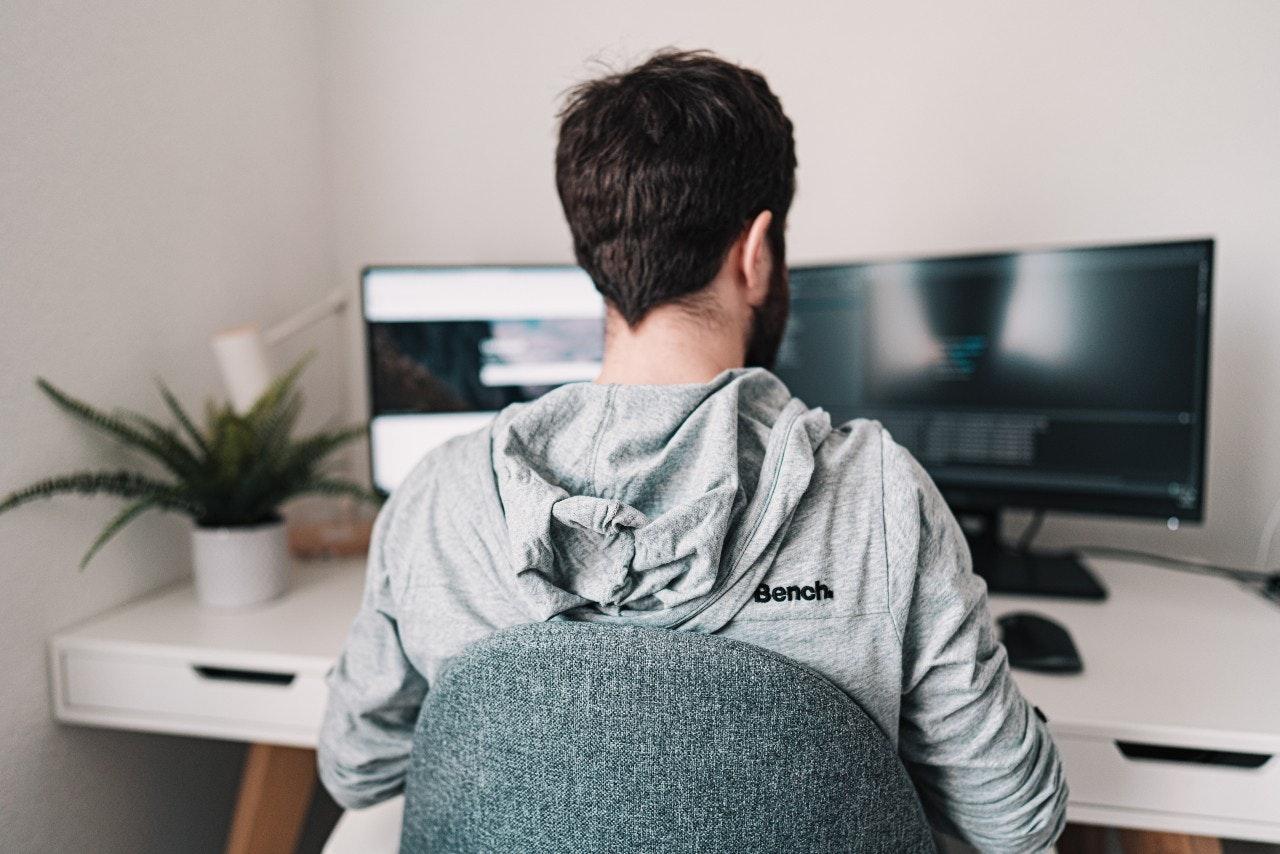 O que é teletrabalho na CLT x trabalho como freelancer