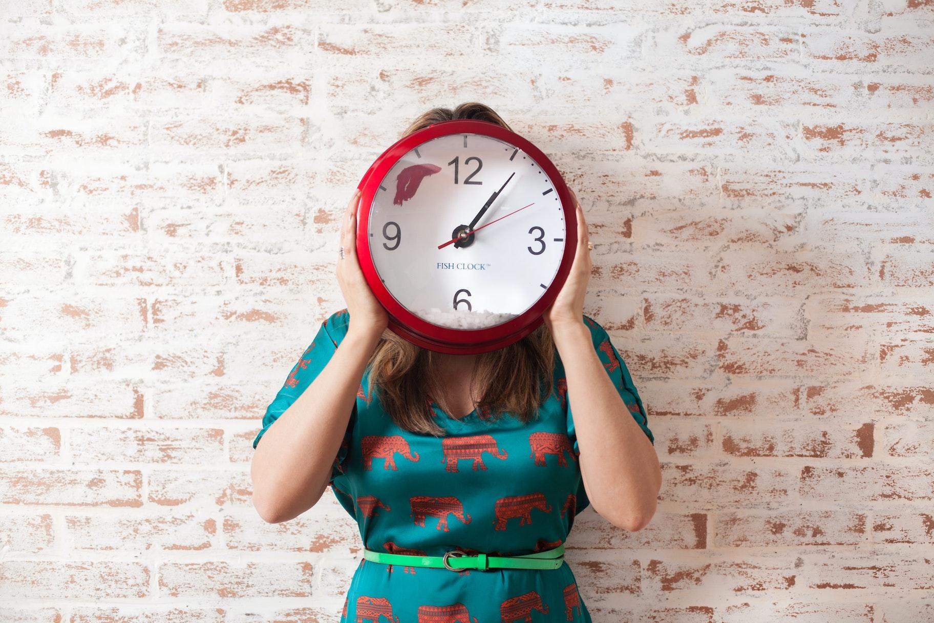 Como fica meu horário de trabalho e as horas extras no trabalho à distância?