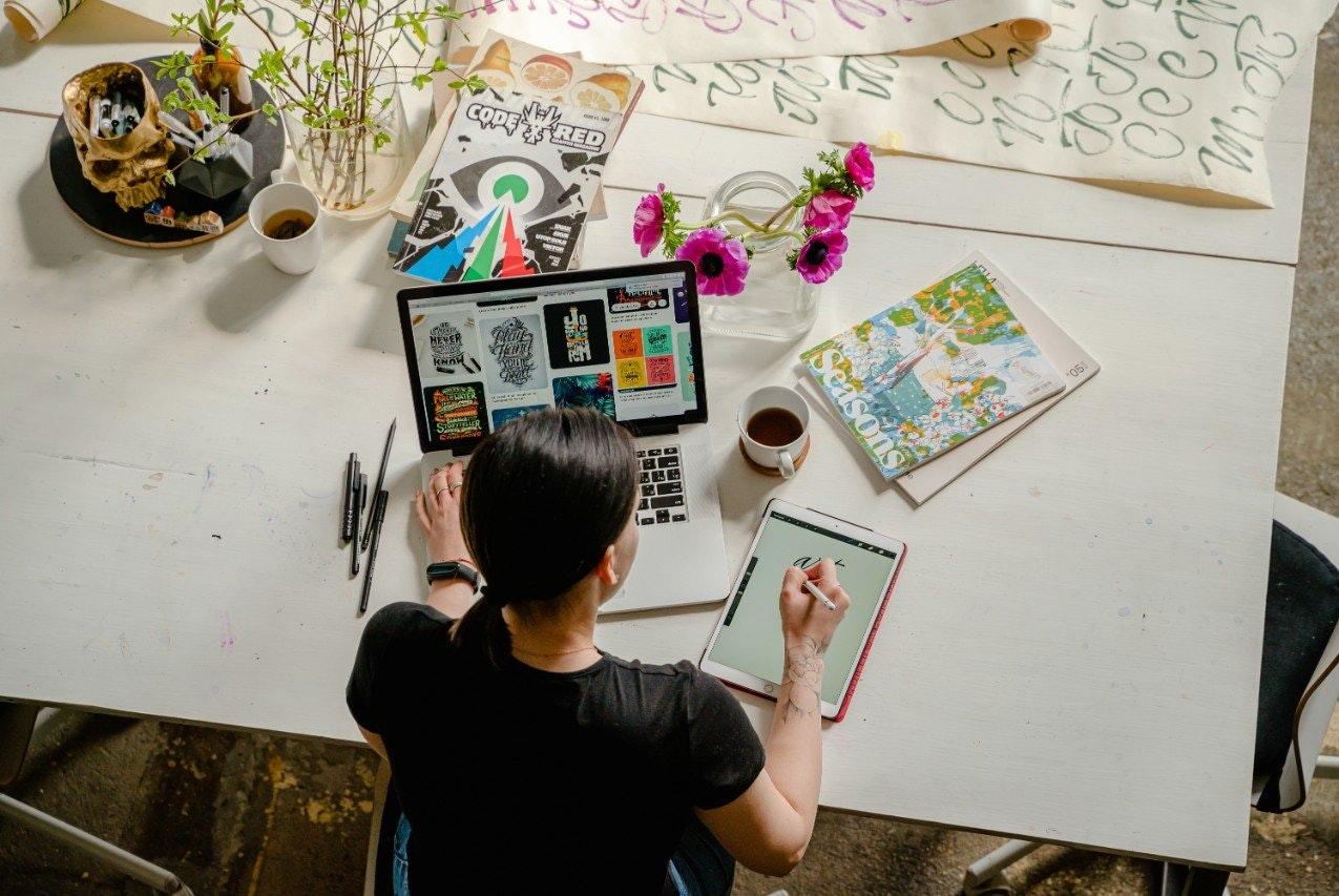 Como trabalhar online: crie infoprodutos