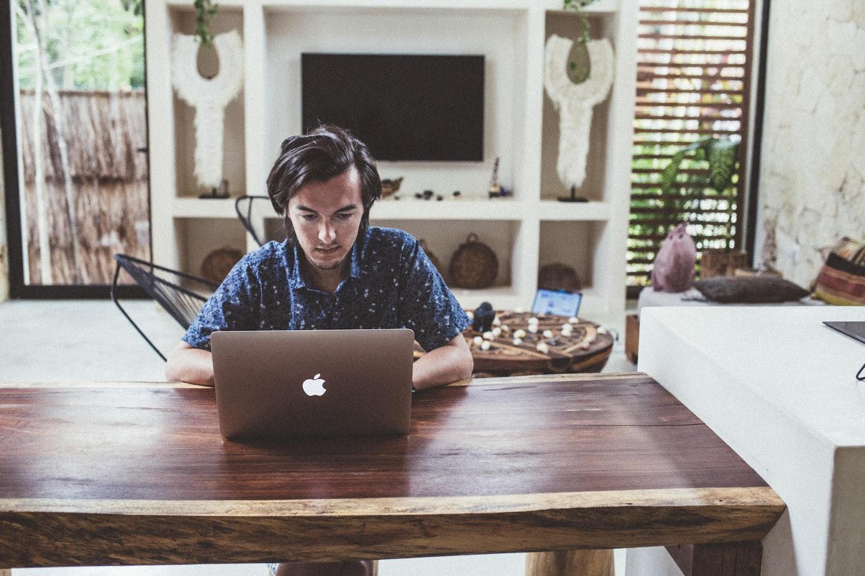 Como usar o LinkedIn para fazer negócios em 2020 | Oberlo