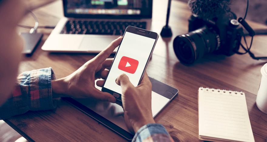 ganhando dinheiro online com canal no YouTube