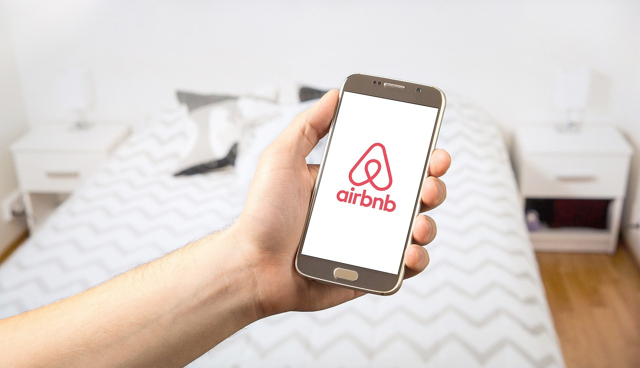 rent on airbnb to earn residual income