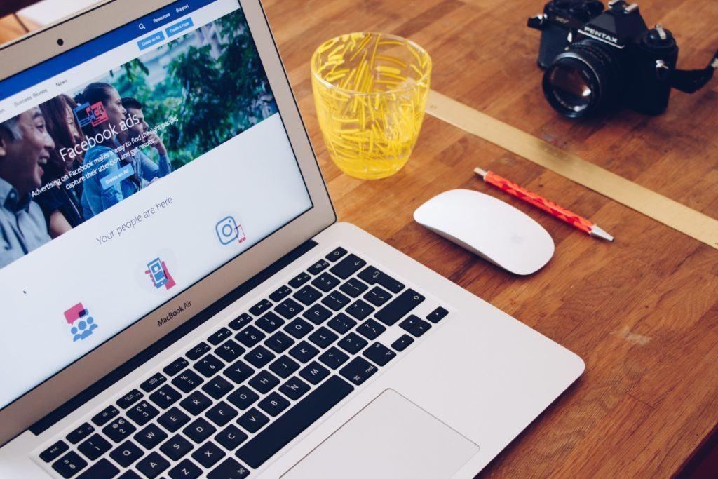 Trabalhar online como especialista em Facebook Ads