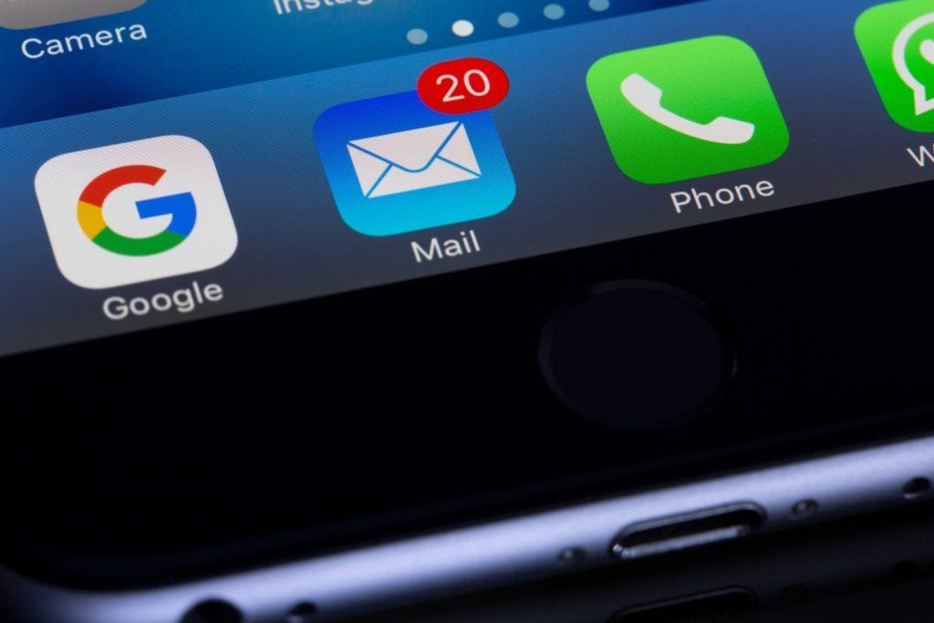 Handy mit E-Mail App