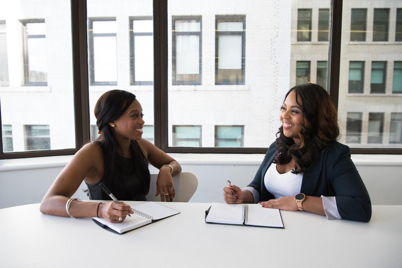 donne preparano piano editoriale