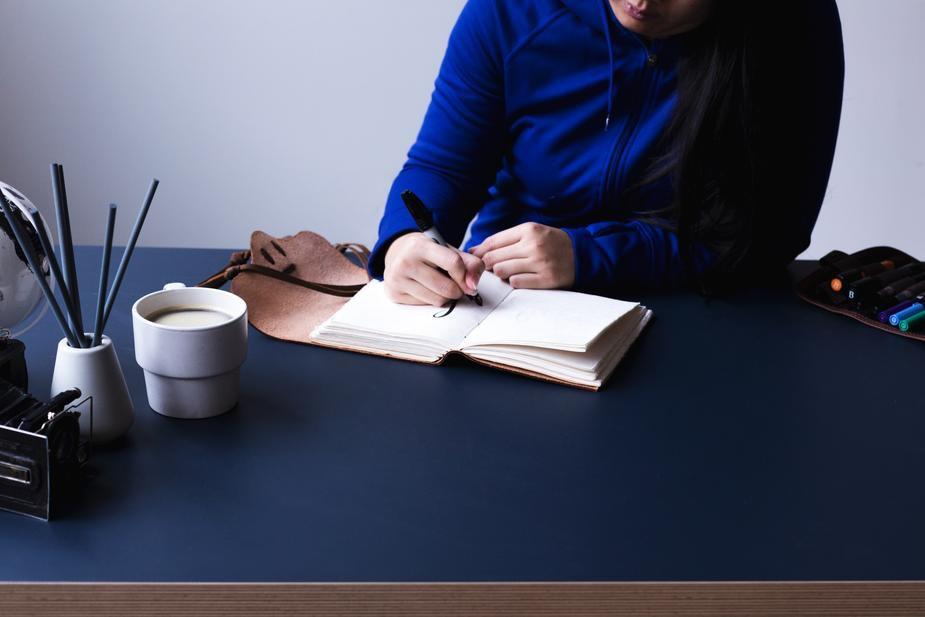 lavori online per studenti: scrittore freelance