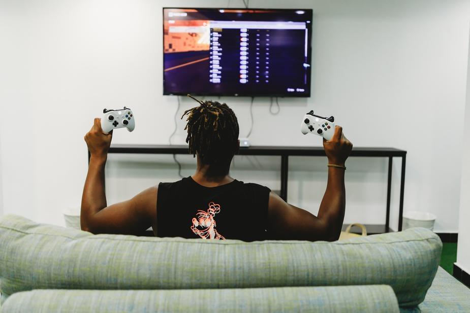 lavori online per studenti: tester videogiochi
